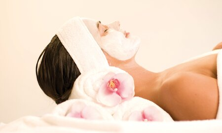 Beauty treatment with facial mask in the Alpentherme Gastein